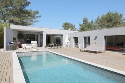 Vente villa Nimes • <span class='offer-area-number'>190</span> m² environ • <span class='offer-rooms-number'>5</span> pièces