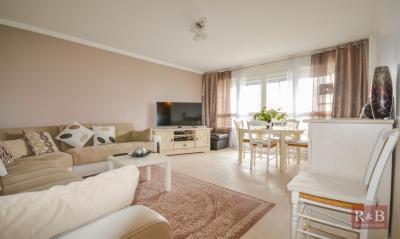 Appartement Plaisir • <span class='offer-area-number'>80</span> m² environ • <span class='offer-rooms-number'>4</span> pièces