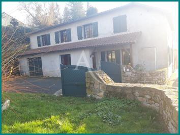 Vente maison Mortagne sur Sevre • <span class='offer-area-number'>157</span> m² environ • <span class='offer-rooms-number'>6</span> pièces