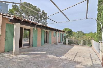 Vente villa Paradou • <span class='offer-area-number'>128</span> m² environ • <span class='offer-rooms-number'>6</span> pièces