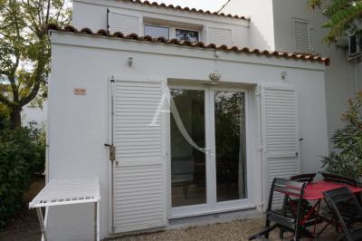 Appartement Mandelieu la Napoule • <span class='offer-area-number'>33</span> m² environ • <span class='offer-rooms-number'>2</span> pièces