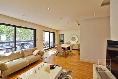 Vente appartement Lyon 06 • <span class='offer-area-number'>130</span> m² environ • <span class='offer-rooms-number'>5</span> pièces