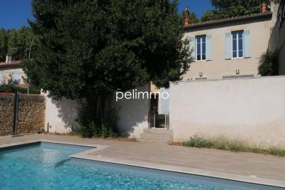 Vente maison Salon de Provence • <span class='offer-area-number'>136</span> m² environ • <span class='offer-rooms-number'>4</span> pièces