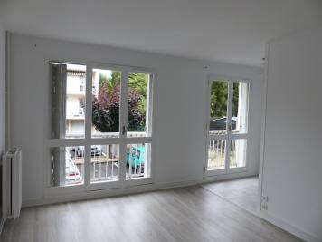 Location appartement Cosne Cours sur Loire • <span class='offer-area-number'>32</span> m² environ • <span class='offer-rooms-number'>1</span> pièce