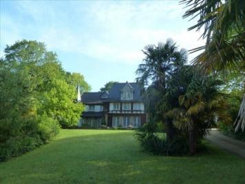 Vente maison Nantes • <span class='offer-area-number'>1 104</span> m² environ • <span class='offer-rooms-number'>23</span> pièces