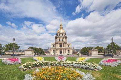 Achat bureau Paris 07 • <span class='offer-area-number'>176</span> m² environ • <span class='offer-rooms-number'>6</span> pièces