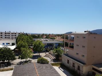 Location appartement Hyeres • <span class='offer-area-number'>98</span> m² environ • <span class='offer-rooms-number'>3</span> pièces