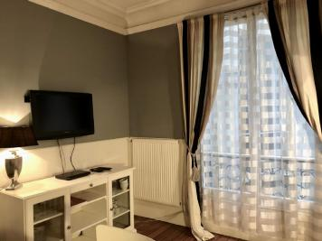 Location appartement Paris 08 • <span class='offer-area-number'>40</span> m² environ • <span class='offer-rooms-number'>2</span> pièces