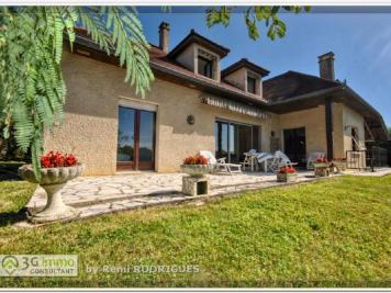 Vente maison Montardon • <span class='offer-area-number'>204</span> m² environ • <span class='offer-rooms-number'>6</span> pièces