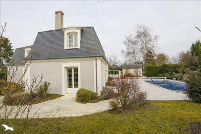 Achat maison St Cyr sur Loire • <span class='offer-area-number'>230</span> m² environ • <span class='offer-rooms-number'>6</span> pièces