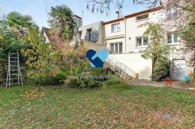 Maison Le Raincy • <span class='offer-area-number'>157</span> m² environ • <span class='offer-rooms-number'>7</span> pièces