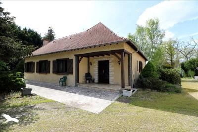 Vente maison Vouzeron • <span class='offer-area-number'>240</span> m² environ • <span class='offer-rooms-number'>7</span> pièces