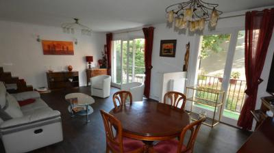 Vente appartement Thiais • <span class='offer-area-number'>94</span> m² environ • <span class='offer-rooms-number'>4</span> pièces