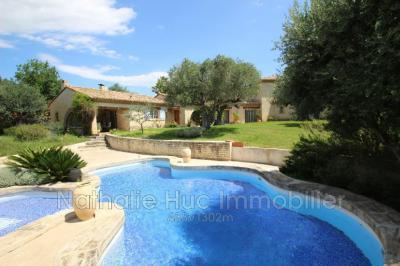 Villa St Esteve • <span class='offer-area-number'>300</span> m² environ • <span class='offer-rooms-number'>9</span> pièces