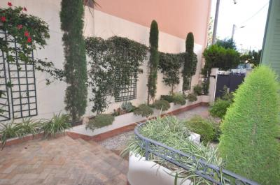 Vente appartement Cannes • <span class='offer-area-number'>56</span> m² environ • <span class='offer-rooms-number'>3</span> pièces