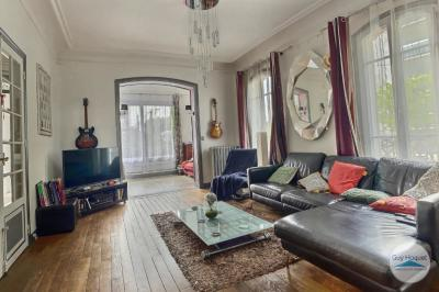 Achat maison St Maur des Fosses • <span class='offer-area-number'>198</span> m² environ • <span class='offer-rooms-number'>8</span> pièces