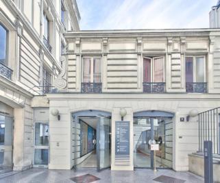 Vente appartement Paris 08 • <span class='offer-area-number'>54</span> m² environ • <span class='offer-rooms-number'>2</span> pièces