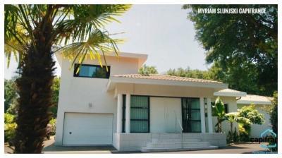 Vente maison Hossegor • <span class='offer-area-number'>290</span> m² environ • <span class='offer-rooms-number'>8</span> pièces