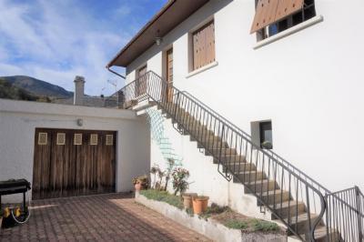 Vente maison Arreau • <span class='offer-area-number'>225</span> m² environ • <span class='offer-rooms-number'>12</span> pièces