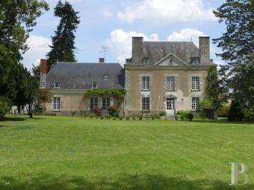 Vente propriété viticole Tours • <span class='offer-area-number'>540</span> m² environ • <span class='offer-rooms-number'>12</span> pièces