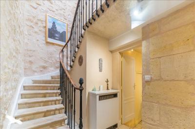 Vente maison Bordeaux • <span class='offer-area-number'>220</span> m² environ • <span class='offer-rooms-number'>7</span> pièces