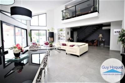 Vente villa Canet Plage • <span class='offer-area-number'>200</span> m² environ • <span class='offer-rooms-number'>5</span> pièces