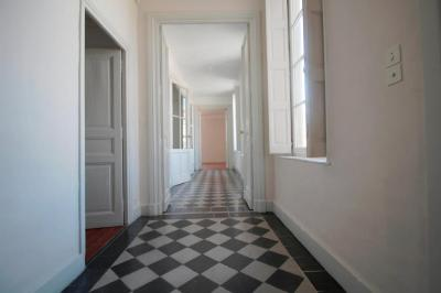 Vente appartement Nimes • <span class='offer-area-number'>189</span> m² environ • <span class='offer-rooms-number'>8</span> pièces