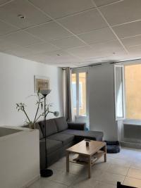 Appartement Aubagne • <span class='offer-area-number'>50</span> m² environ • <span class='offer-rooms-number'>2</span> pièces