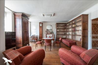 Vente maison Le Bugue • <span class='offer-area-number'>220</span> m² environ • <span class='offer-rooms-number'>9</span> pièces