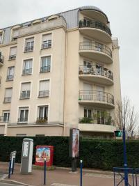 Vente appartement Drancy • <span class='offer-area-number'>64</span> m² environ • <span class='offer-rooms-number'>3</span> pièces