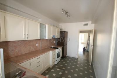 Appartement St Raphael • <span class='offer-area-number'>77</span> m² environ • <span class='offer-rooms-number'>3</span> pièces