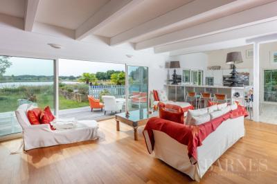 Vente villa St Andre des Eaux • <span class='offer-area-number'>300</span> m² environ • <span class='offer-rooms-number'>9</span> pièces