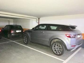 Vente parking Paris 16 • <span class='offer-area-number'>25</span> m² environ