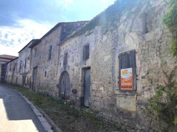Vente parking Bouteville • <span class='offer-area-number'>203</span> m² environ