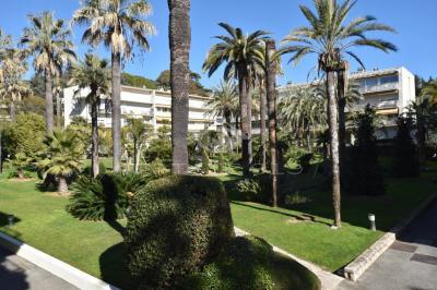 Appartement Cannes • <span class='offer-area-number'>75</span> m² environ • <span class='offer-rooms-number'>3</span> pièces