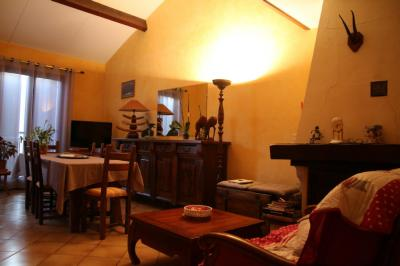 Vente appartement Saint-Florent • <span class='offer-area-number'>66</span> m² environ • <span class='offer-rooms-number'>3</span> pièces
