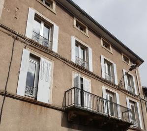 Achat immeuble Le Monastier sur Gazeille • <span class='offer-area-number'>300</span> m² environ