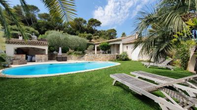 Vente maison Biot • <span class='offer-area-number'>200</span> m² environ • <span class='offer-rooms-number'>5</span> pièces
