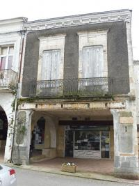 Commerce Sauveterre de Guyenne • <span class='offer-area-number'>266</span> m² environ • <span class='offer-rooms-number'>8</span> pièces