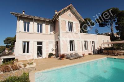 Vente propriété St Cyr sur Mer • <span class='offer-area-number'>190</span> m² environ • <span class='offer-rooms-number'>9</span> pièces