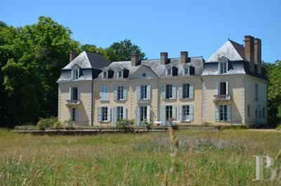 Vente château Le Mans • <span class='offer-area-number'>659</span> m² environ • <span class='offer-rooms-number'>17</span> pièces