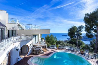 Vente maison Villefranche sur Mer • <span class='offer-area-number'>388</span> m² environ • <span class='offer-rooms-number'>7</span> pièces