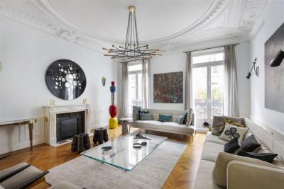 Vente appartement Paris 08 • <span class='offer-area-number'>194</span> m² environ • <span class='offer-rooms-number'>6</span> pièces