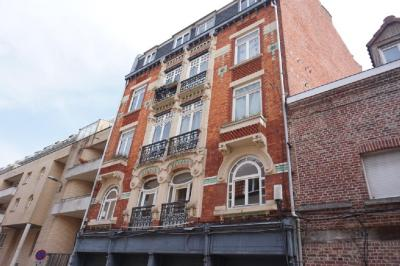 Achat immeuble Lille • <span class='offer-area-number'>700</span> m² environ • <span class='offer-rooms-number'>15</span> pièces
