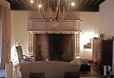 Vente maison Montcuq • <span class='offer-area-number'>338</span> m² environ • <span class='offer-rooms-number'>8</span> pièces