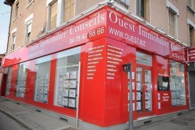 Vente commerce Limonest • <span class='offer-area-number'>88</span> m² environ • <span class='offer-rooms-number'>2</span> pièces