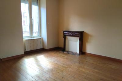 Location appartement Carhaix Plouguer • <span class='offer-area-number'>65</span> m² environ • <span class='offer-rooms-number'>3</span> pièces