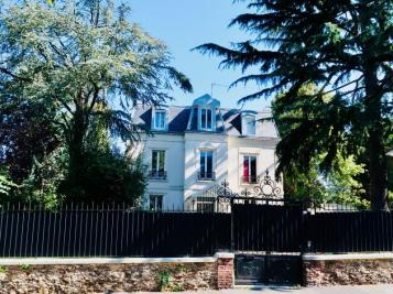 Vente maison Montmorency • <span class='offer-area-number'>260</span> m² environ • <span class='offer-rooms-number'>9</span> pièces