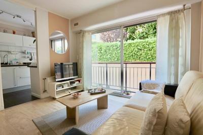Appartement Le Cannet • <span class='offer-area-number'>38</span> m² environ • <span class='offer-rooms-number'>2</span> pièces