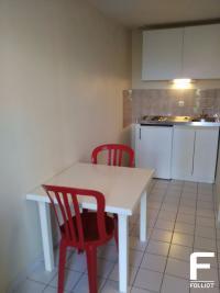 Location appartement Pontorson • <span class='offer-area-number'>13</span> m² environ • <span class='offer-rooms-number'>1</span> pièce